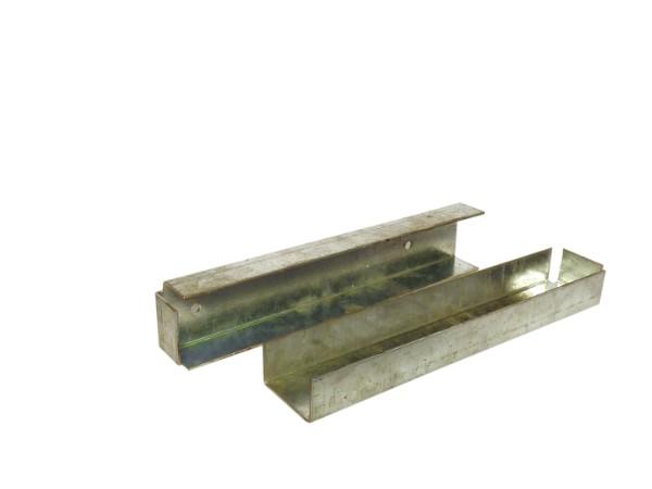 U-profiel t.b.v. betonplaat muur- of hoekbevestiging.